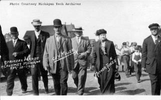 1913, Corteo durante gli scioperi nelle miniere di rame.